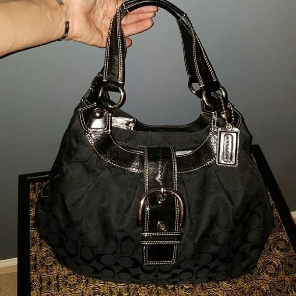 7e38ed7aee87 COACH Handbags - COACH Lynn Soho F17094 Black Signature HOBO Bag